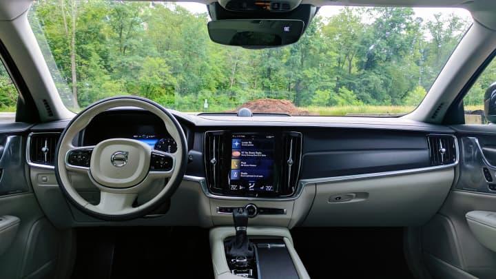 CNBC Tech: Volvo V90 8