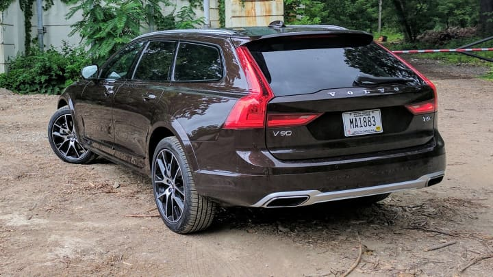 CNBC Tech: Volvo V90 12