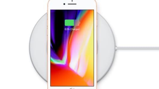 Handout: iPhone 8 Plus 3