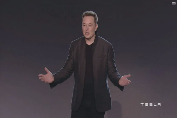 Billionaire Elon Musk responds to unhappy Tesla customer