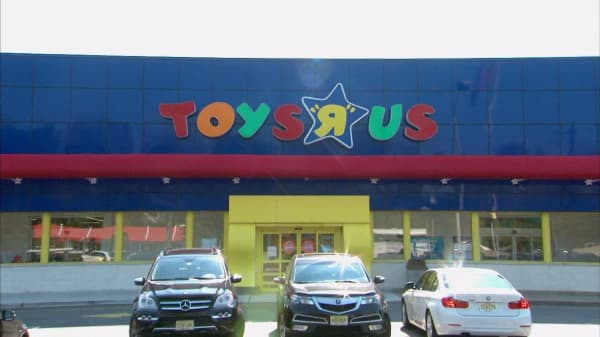Toys 'R' Us may be preparing for possible bankruptcy filing