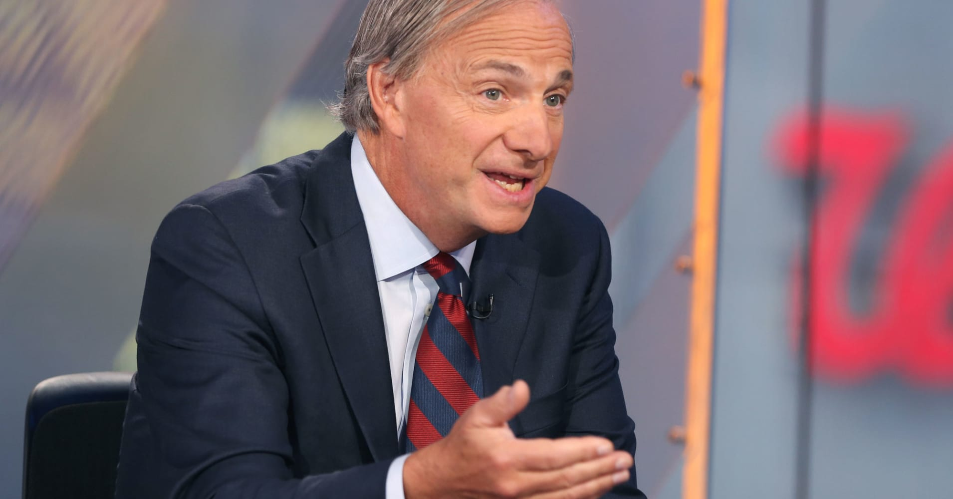 Hedge fund king Ray Dalio: Middle class needs 'wealth transfers' to bridge income gap