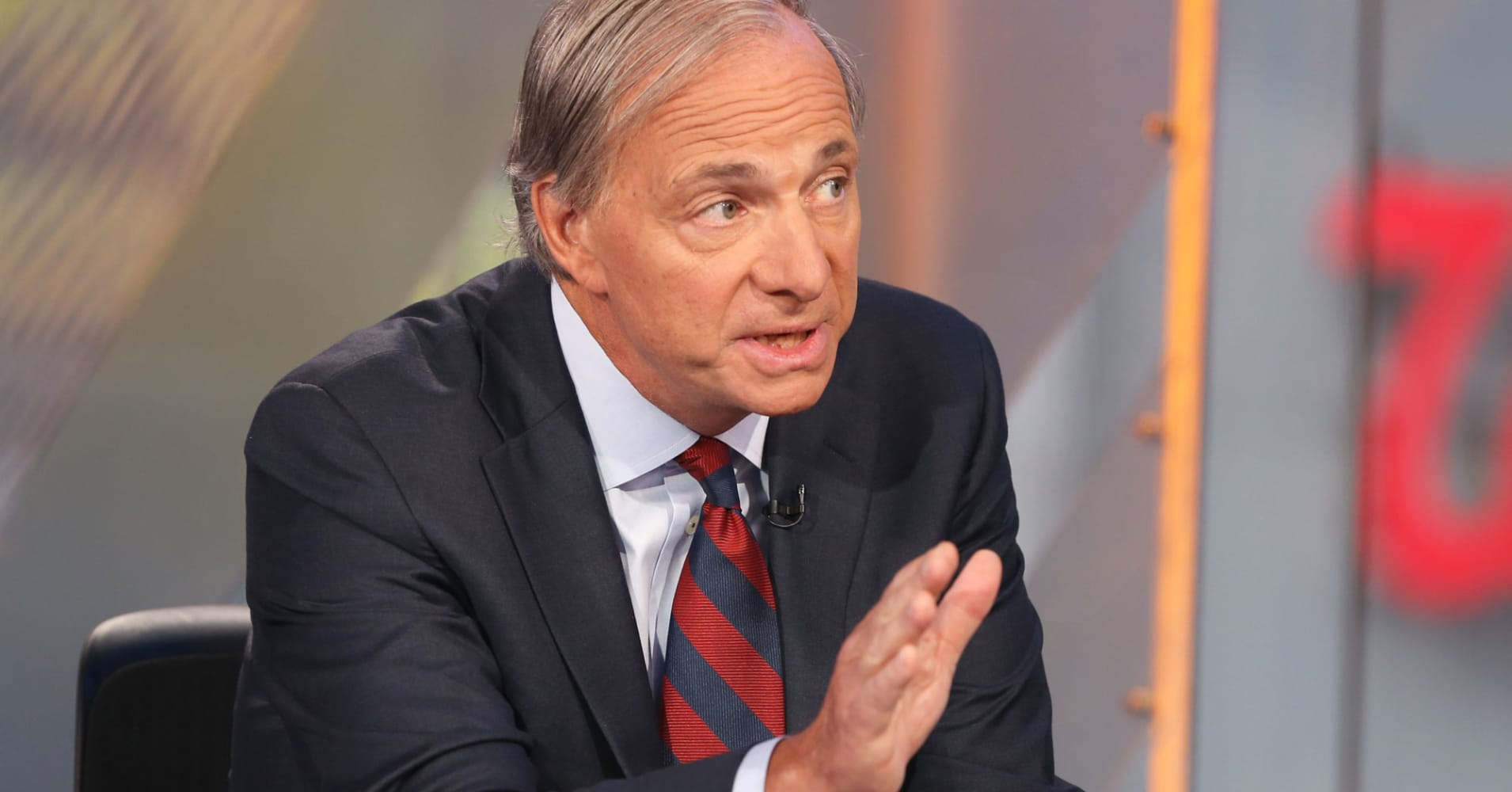 Tax reform-related bonuses won't change the wealth gap: Ray Dalio