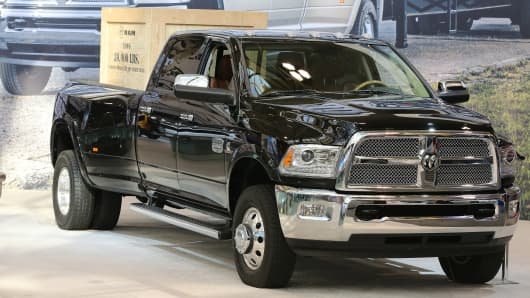 Fiat Chrysler recalls 443000 Ram pickups over fire concerns