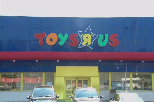 Here's what a Toys R Us bankruptcy means for toymakers