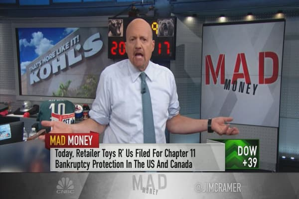 Cramer: These retailers are taking steps to avoid being Amazon roadkill