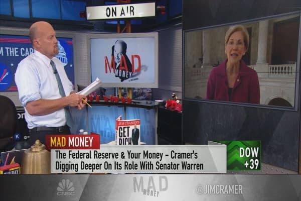 Sen. Warren urges Fed to remove Well's Fargo's board