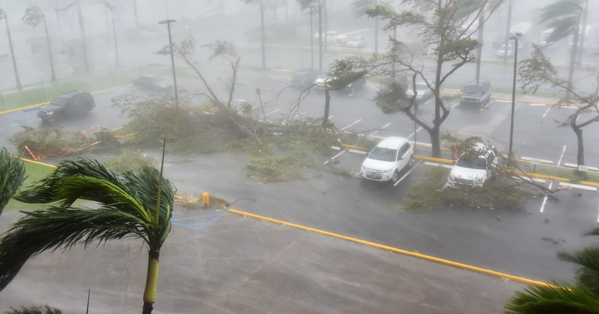 Hurricane Maria churns toward Turks and Caicos and leaves 32 dead