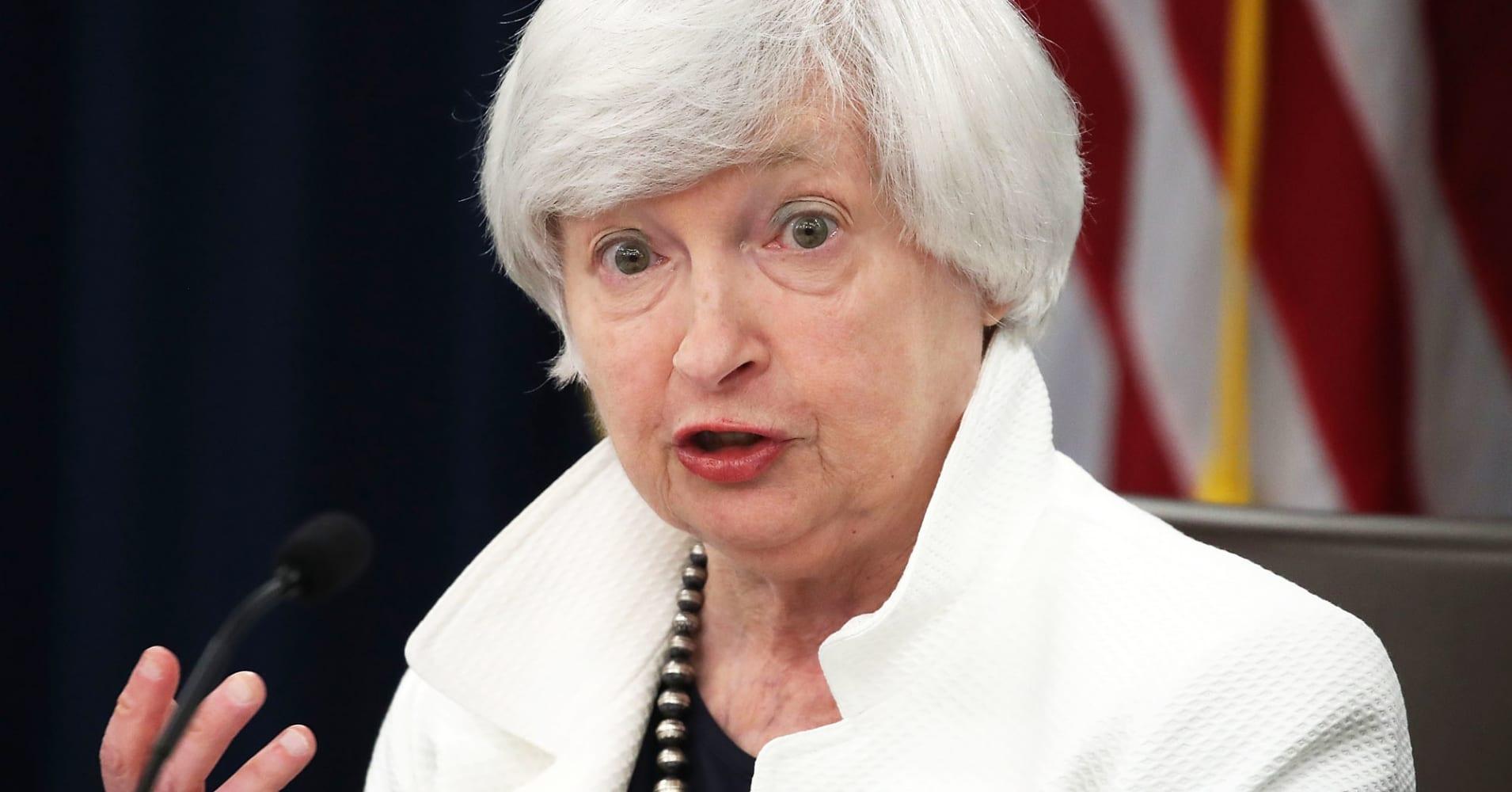 Live blog: Dollar near one-month high as Yellen takes hawkish stance