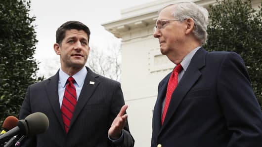 Speaker of the House Rep. Paul Ryan (R-WI) (L) and Senate Majority Leader Sen. Mitch McConnell (R-KY)