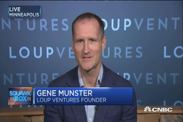 Apple's product cycle 'split between two phones': Loup Ventures's Gene Munster