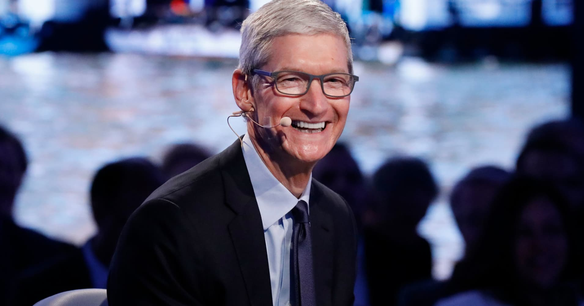 Cramer calls Apple's $350 billion investment in the US economy a 'modern-day Marshall Plan'