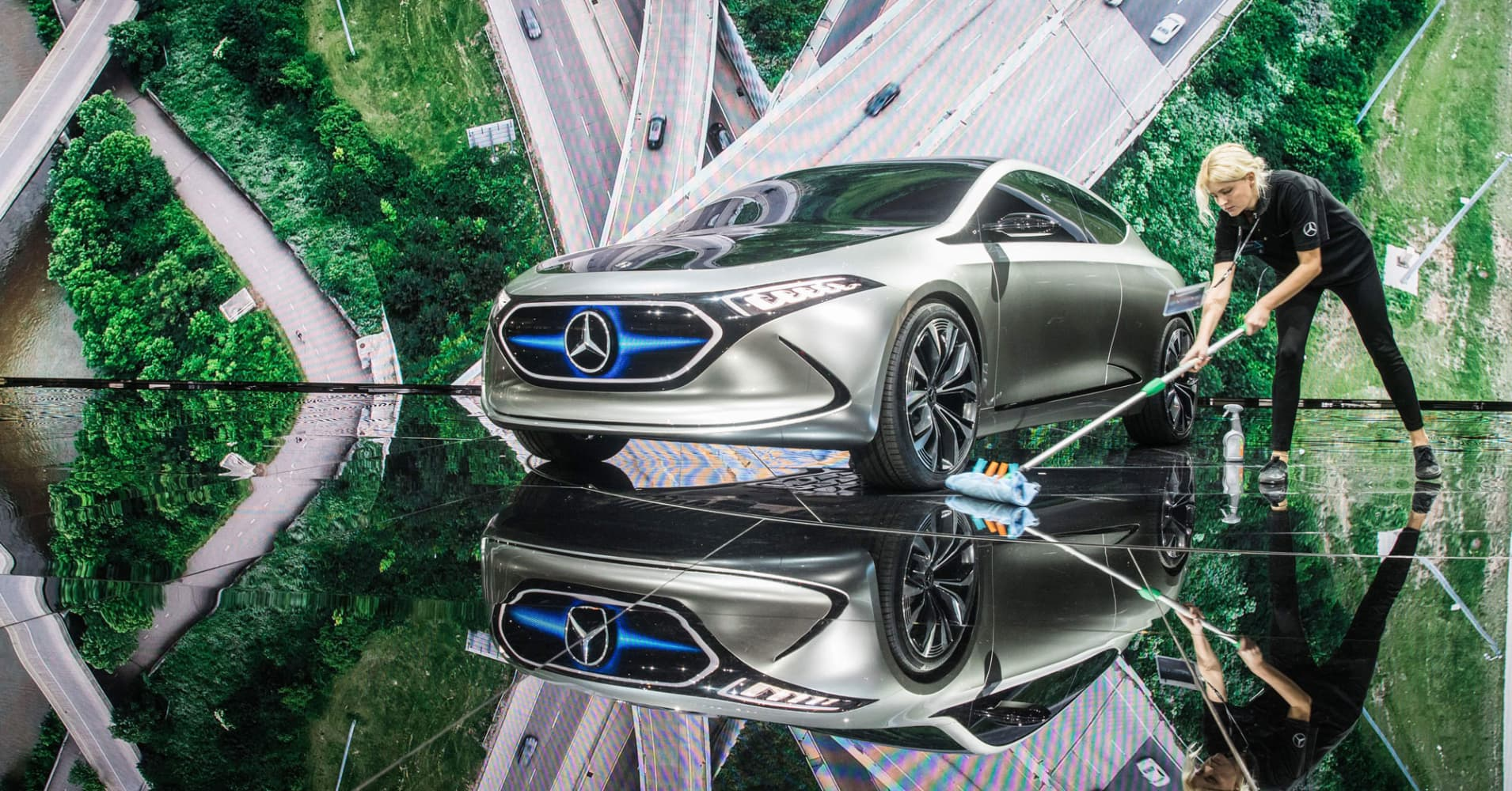Up to 25 percent of cars may soon be fully electric, says Mercedes-Benz USA CEO