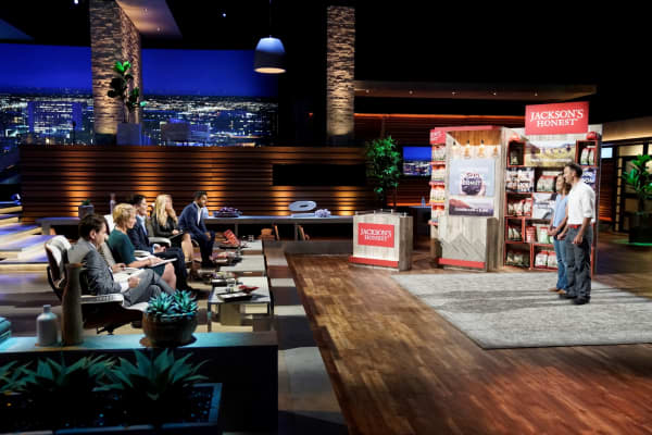 "Megan and Scott Reamer on ABC's ""Shark Tank"" in part two of the season premiere."