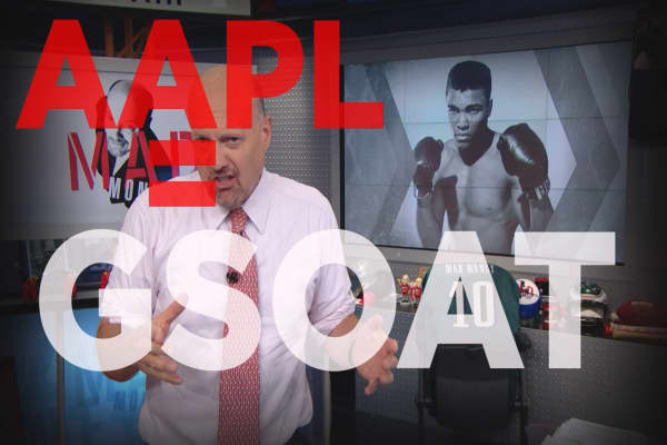 Cramer Remix: Why Apple is the Muhammad Ali of stocks