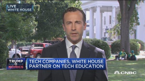 Tech companies, White House partner on tech education
