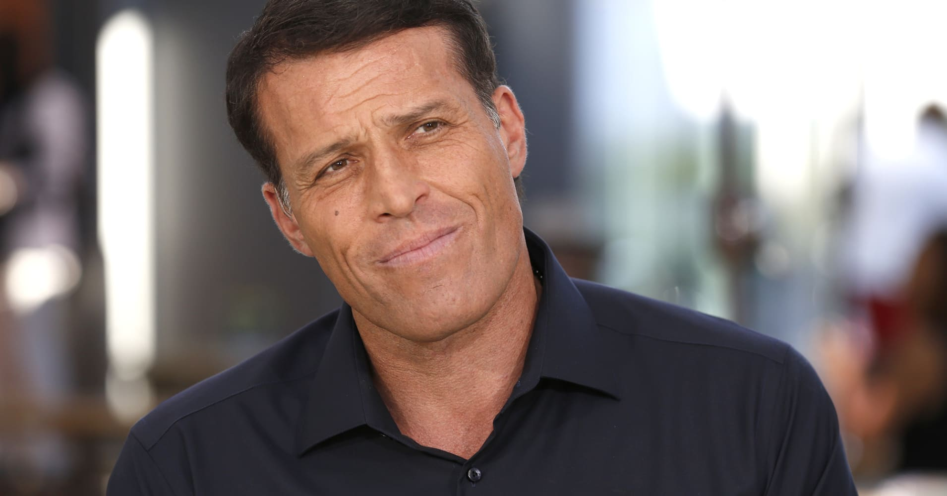 This is Tony Robbins' 10-minute morning routine to 'change your day for the better'