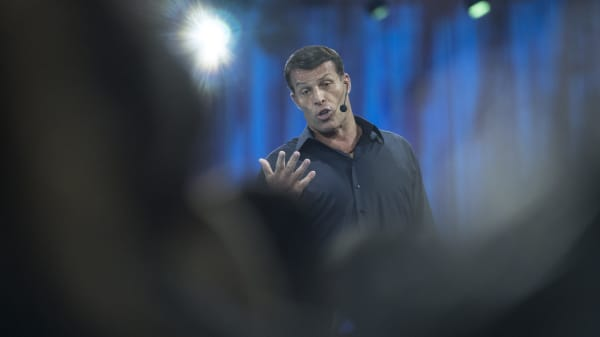Tony Robbins shares the mindset you need to invest in bitcoin