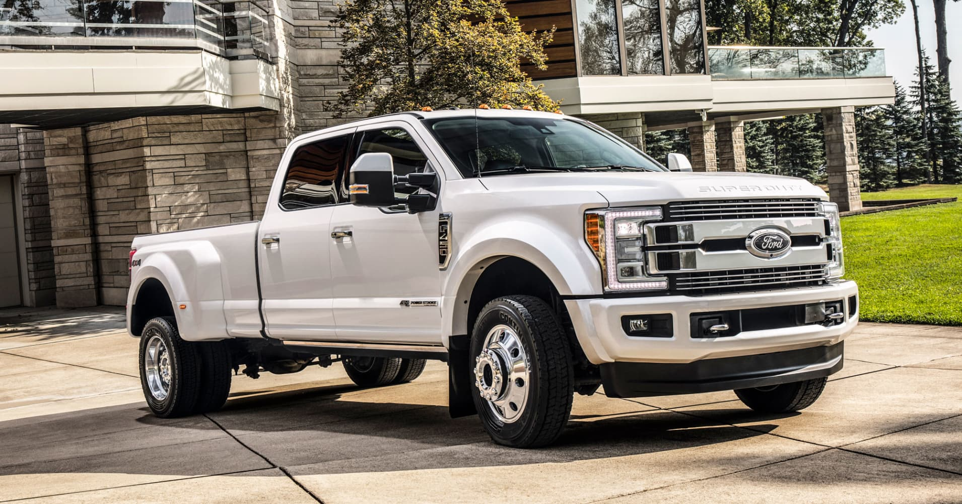 ford bets there u0027s a market for its 100 000 f 450 pickup trucks