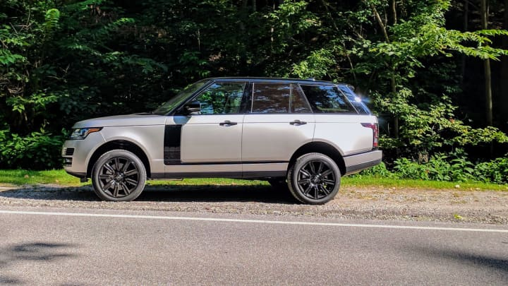 Side angle of the 2017 Range Rover Supercharged