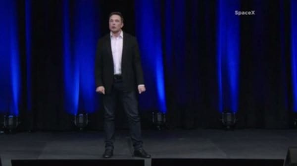 Space expert: Musk's plan to fly people is 'extremely unrealistic'