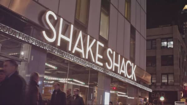 Shake Shack to open cashless, kiosk-only location in New York City