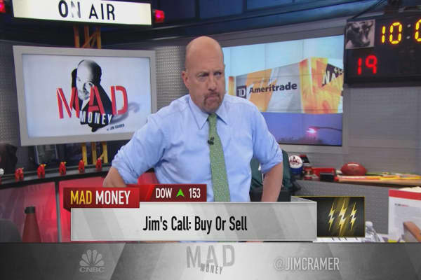 Cramer's lightning round: This is why Yelp trades where it does