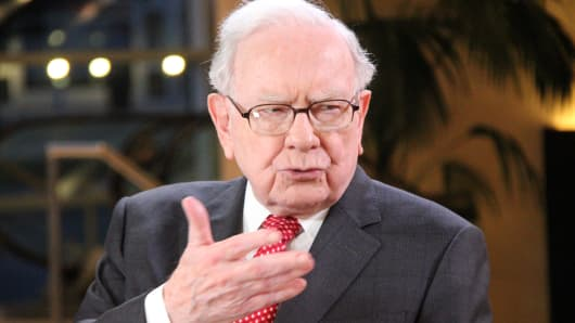 Buffett adds his 2 potential successors to Berkshire board