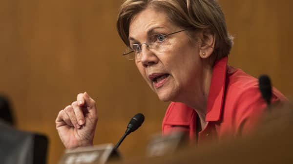 Sen. Elizabeth Warren, a Democrat from Massachusetts, speaks during a Senate Banking, Housing and Urban Affairs Committee hearing with Tim Sloan, chief executive officer of Wells Fargo & Co., not pictured, in Washington, D.C., on Tuesday, Oct. 3, 2017.
