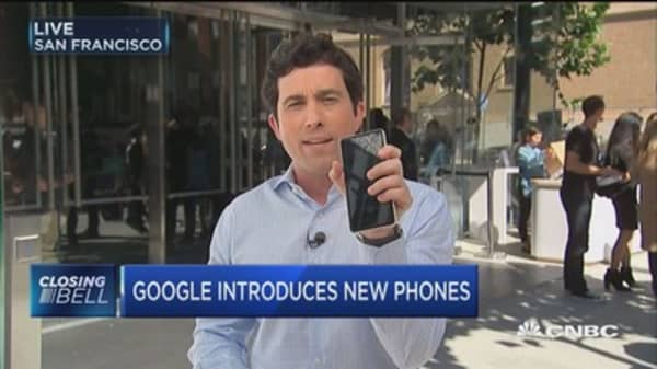 Google unveils new phones, Google home mini