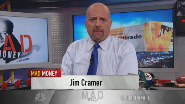 Cramer's lightning round: Why my charitable trust sold its stake in Walgreens