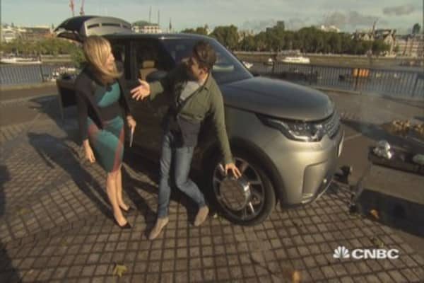 CNBC takes a look inside Jamie Oliver's SUV Kitchen