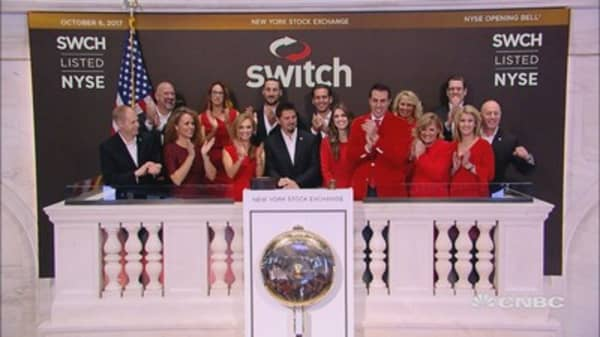 Switch celebrates initial public offering and gets the trading day started by ringing the opening bell