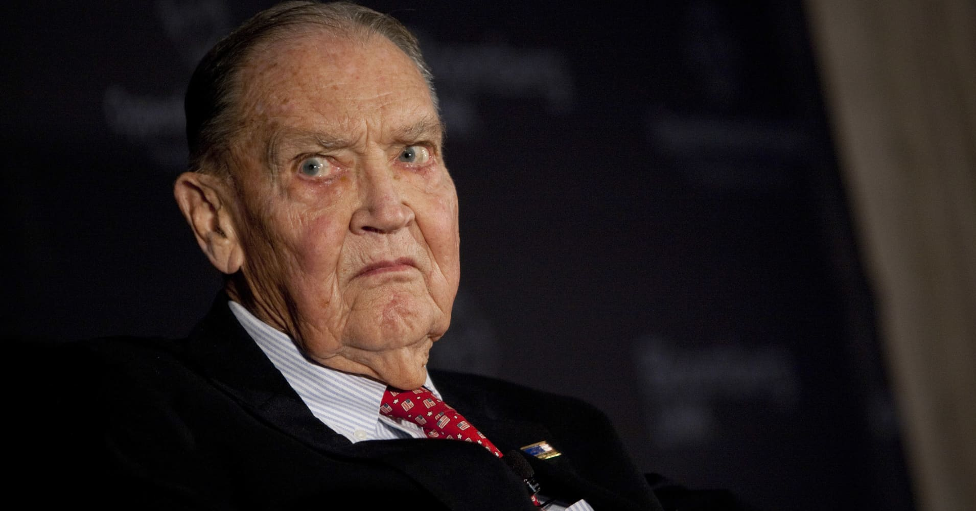 Jack Bogle, founder of the Vanguard Group, pauses at a portfolio manager conference in New York.