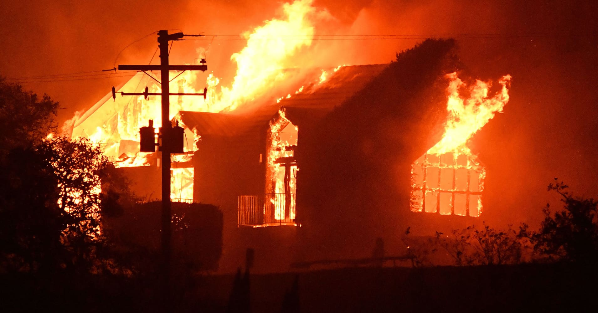 insured losses from california 39 s wildfire disaster top 3 billion. Black Bedroom Furniture Sets. Home Design Ideas