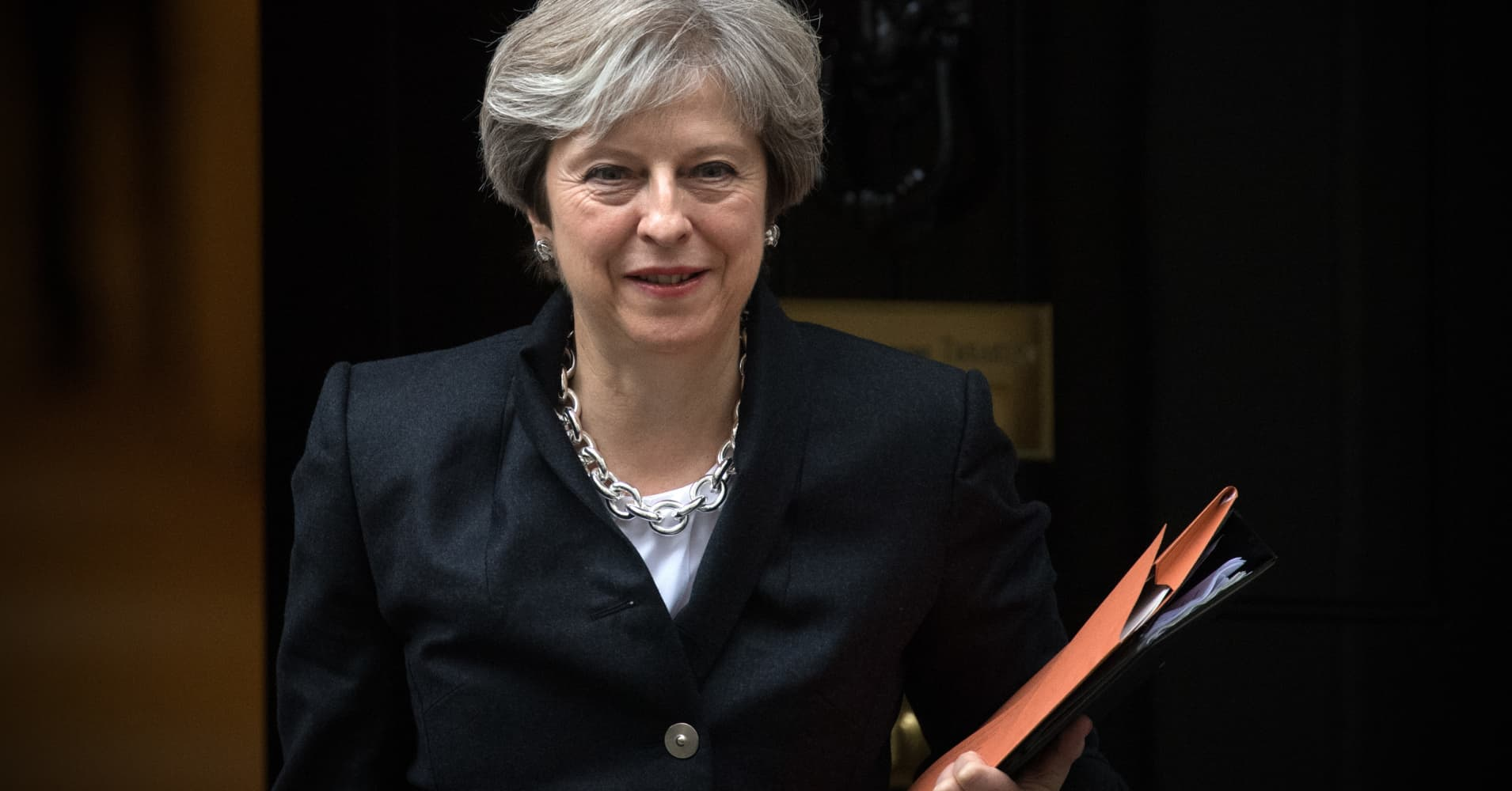 After winning leadership vote, Theresa May heads to Brussels to debate Irish border