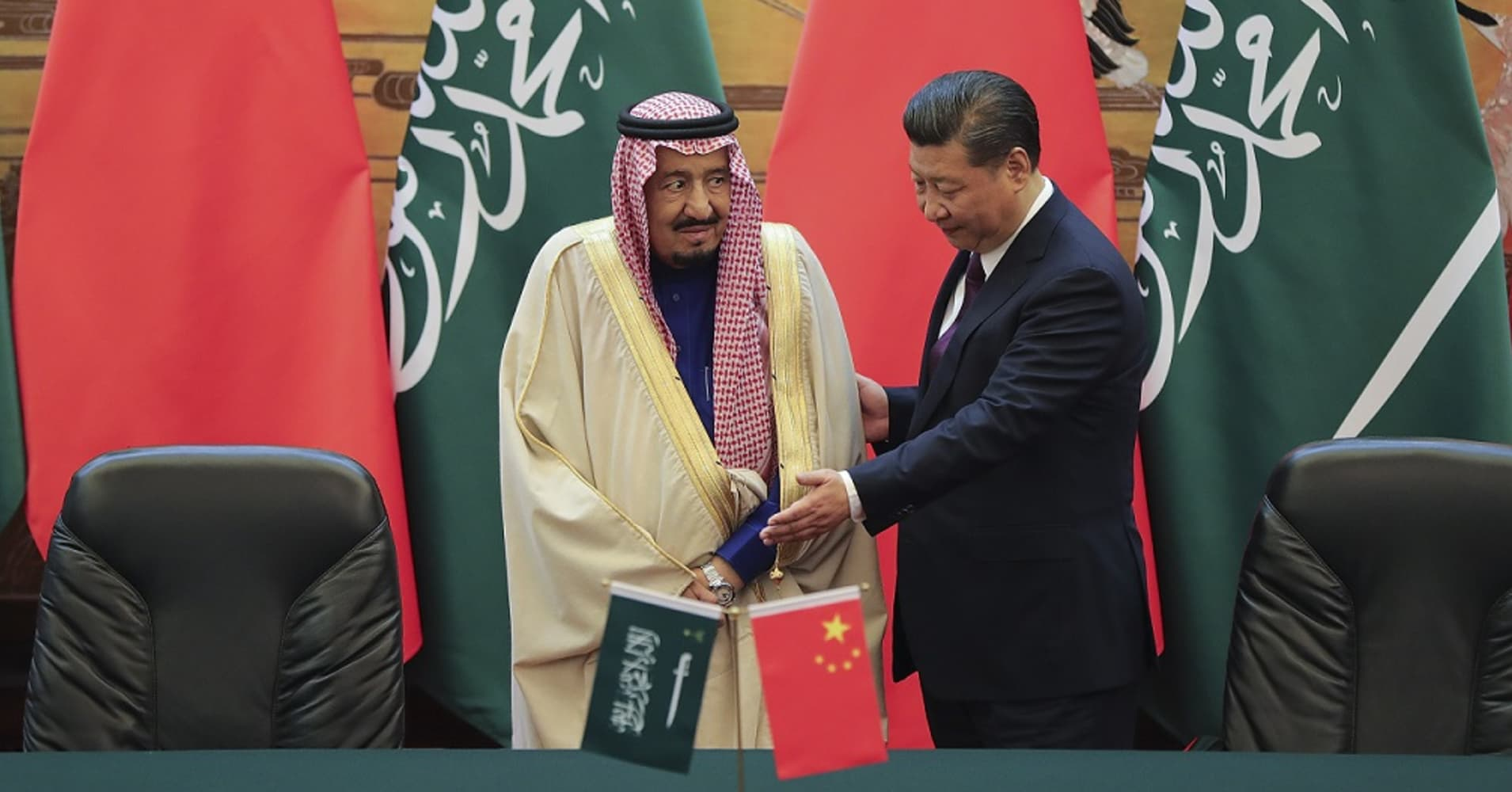 Death of the petrodollar: China will 'compel' Saudi Arabia to trade oil in yuan, and the rest of the oil market is likely to follow suit and abandon the U.S. dollar as the world's reserve currency