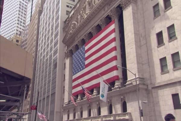 Dow Jones posts fake headlines
