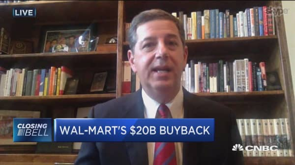 Wal-Mart buybacks suggest that growth options are becoming limited: Former Wal-Mart CEO