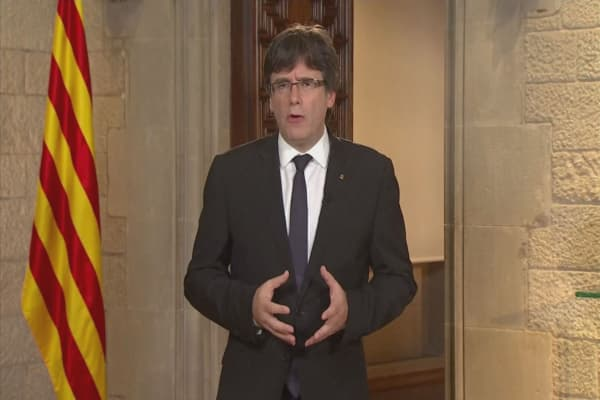 Catalan leader looks to suspend referendum results
