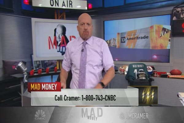 Cramer's lightning round: Let Nike walk these losses off