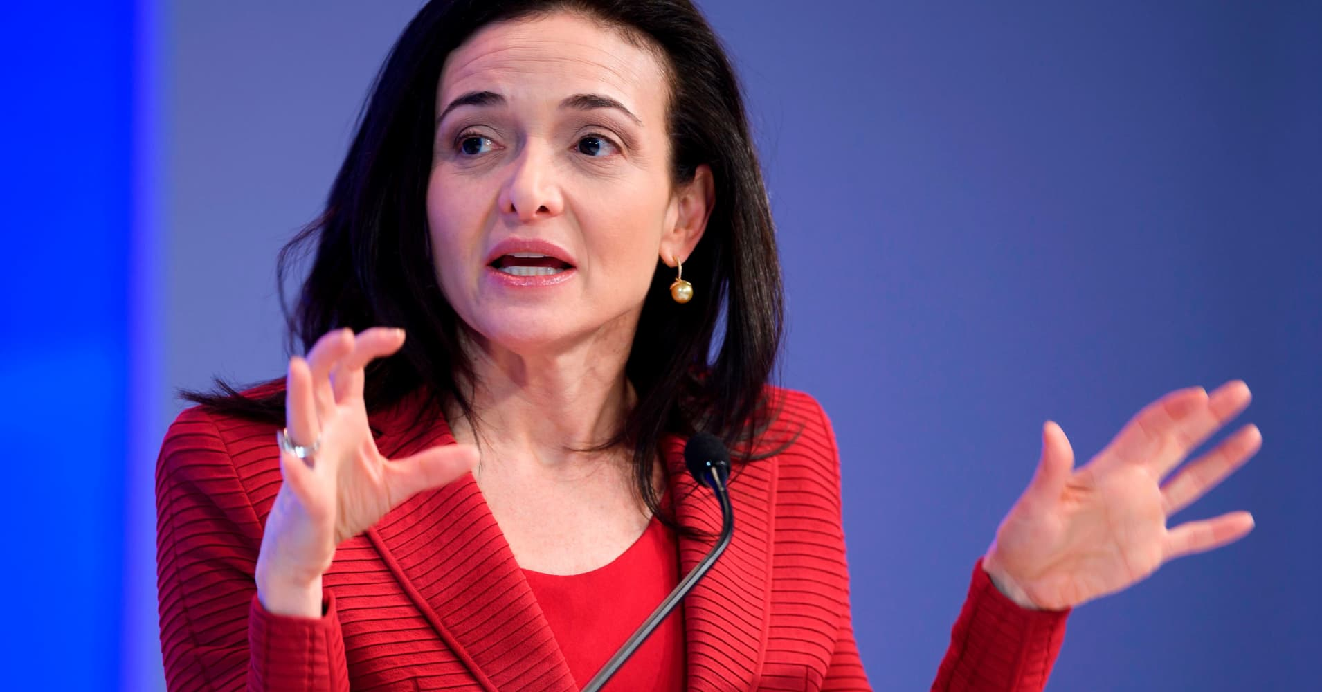 Management guru Sonnenfeld slams Facebook COO Sandberg, saying she 'probably should be replaced'