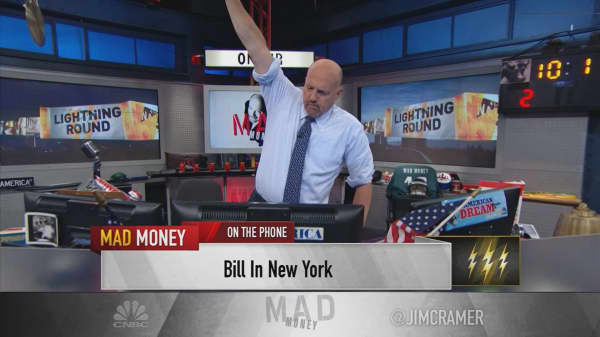 Cramer's lightning round: Macy's new CEO is turning the battleship around