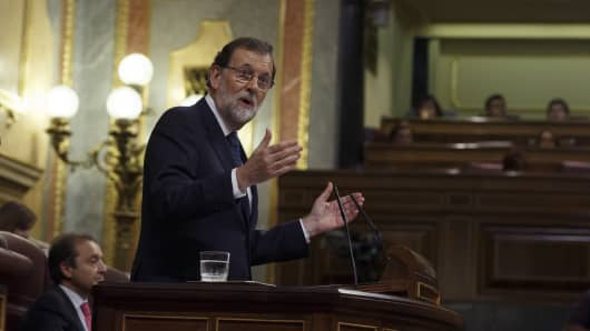 Spanish Prime Minister Mariano Rajoy speaks at the Spanish Parliament following the Catalonian independence vote on October 11, 2017 in Madrid, Spain. Mr Rajoy has asked Catalan leader Carles Puigdemont to confirm whether or not he has declared independence.