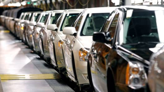 GM to cut production at Detroit auto plant