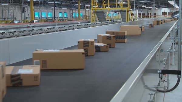 Analyst: Amazon to surge more than 25%