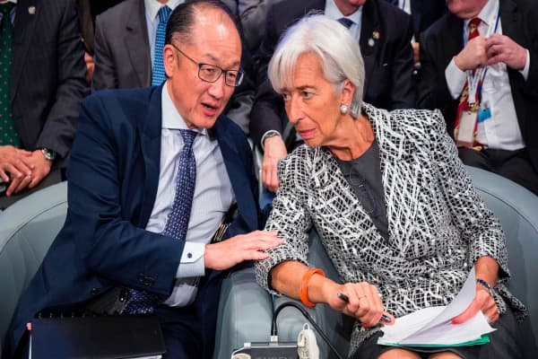 What's the difference between the IMF and the World Bank?
