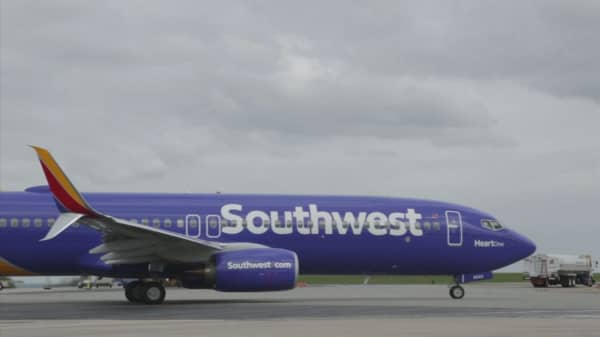 Pack your lunch. Southwest is flying to Hawaii