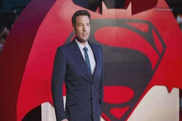 Some Twitter users demand Ben Affleck step down as Batman one month before 'Justice League' debut