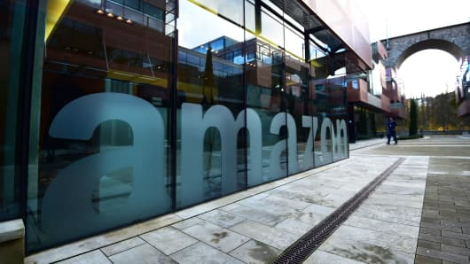 Deadline for cities to submit Amazon headquarter bids due Thursday